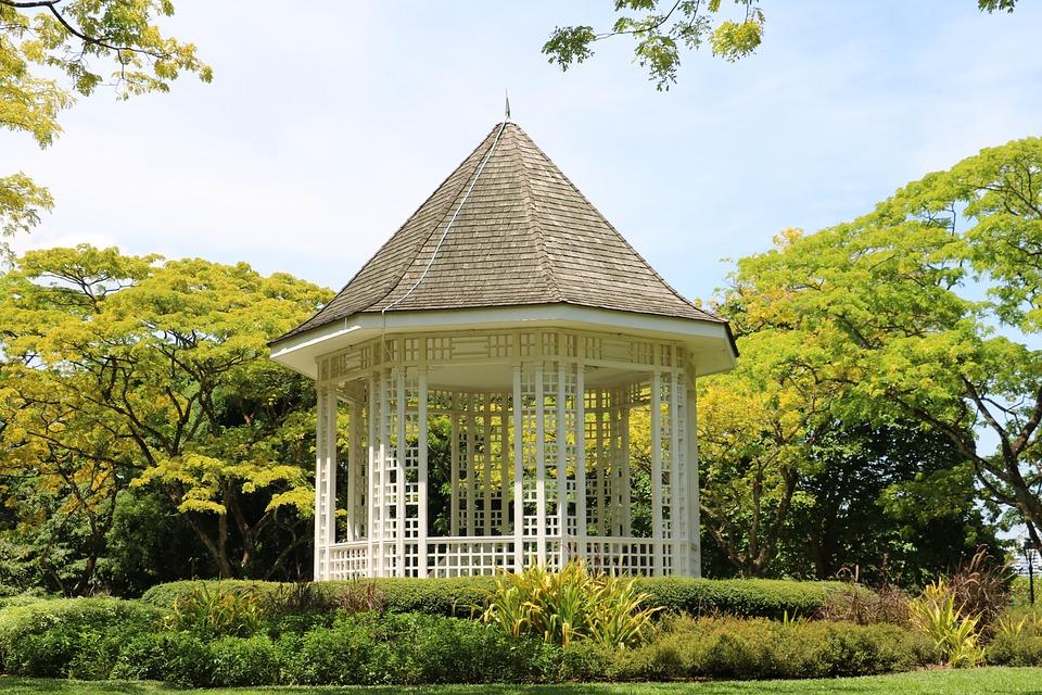 Je dobré postavit si na zahradu altán?